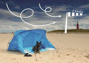 Windschutz am Strand dank Strandmuschel v. Bernd Strempel